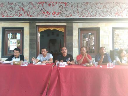 Koordinasi Keamanan Parade Budaya Dengan Linmas dan Pecalang